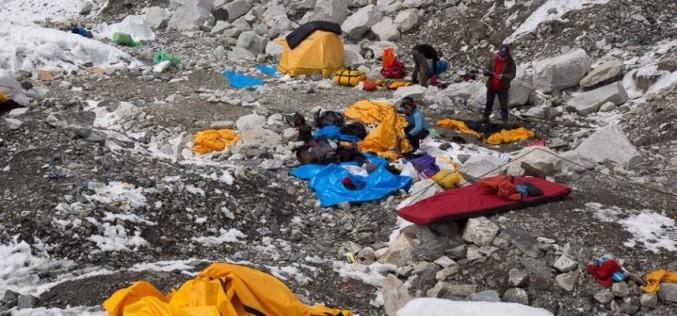 """Chileno en Nepal: """"Nos escondimos detrás de unas rocas para salvarnos"""""""