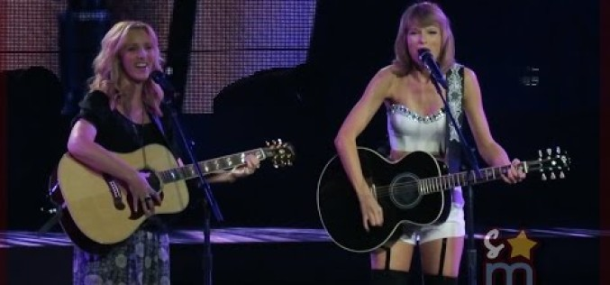 """Taylor Swift & Lisa Kudrow  """"Smelly Cat"""""""