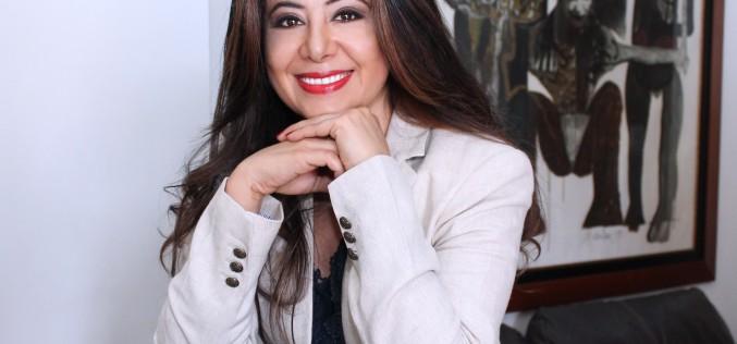 Pilar Vélez: la escritura como arte para dar voz a los latinos