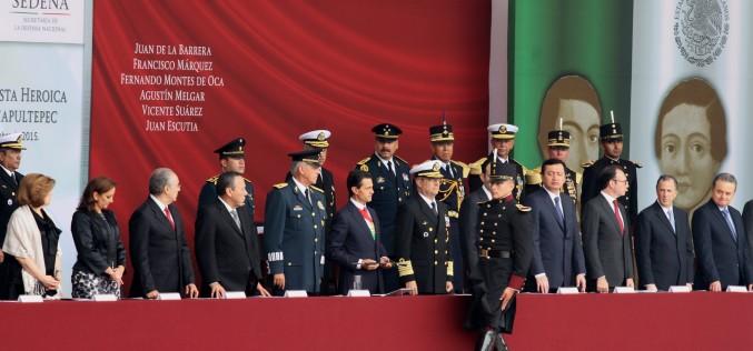 México inicia fiestras patrias recordando la defensa de los Niños Héroes en Chapultepec