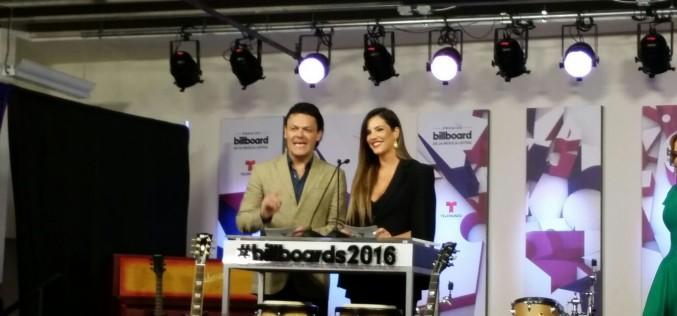 "Premios Billboard de la Música latina presenta ""Billboard Duets"""