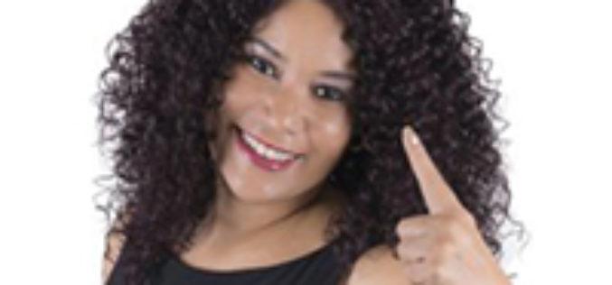 """Alina Izquierdo """"La Voz de Diamante de Cuba"""" llega a EE.UU"""