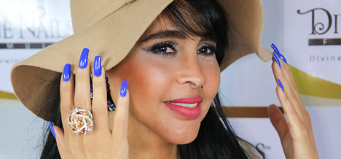 """Mónica Soria Galvarro: """"Divine Nails es una fórmula inspirada por Dios"""""""