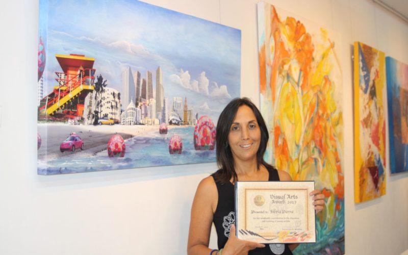 Pintora venezolana gana premio de la Fundación Internacional Almenar Otero