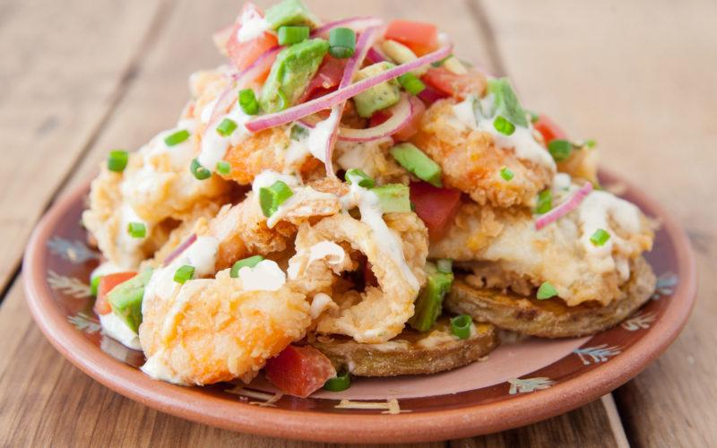 Jalea picante peruana: un tentador plato de pescado y mariscos