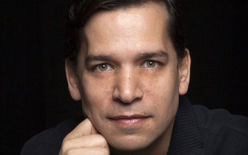 Federico Vásquez: entre sombras y colores