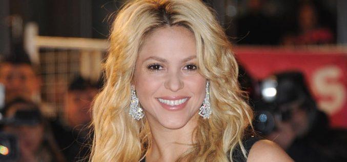 ¿Shakira ya no es rubia?