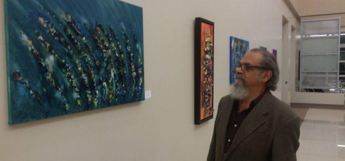 """Curador Carlos Salgado: """"Bryan Fernández Cornejo tiene una visión única para pintar"""""""