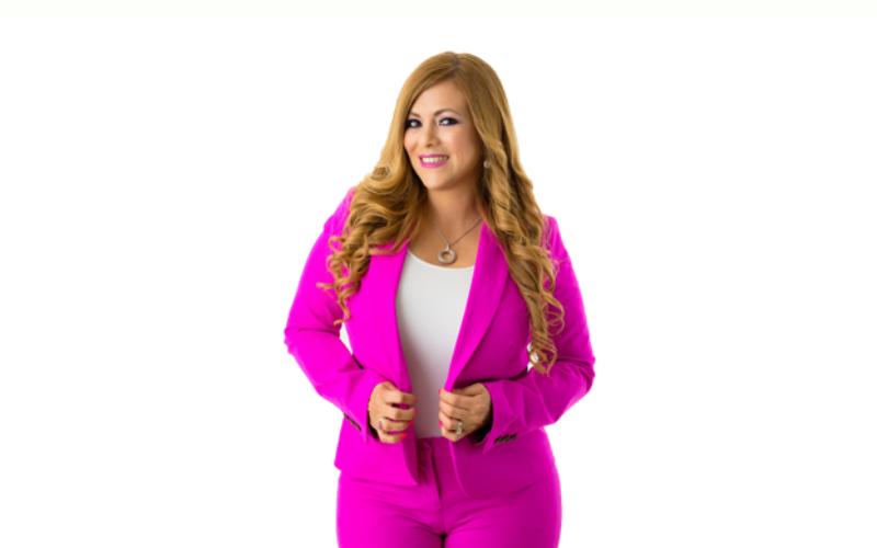 Alexandra Ramírez lanza su libro de éxito y el tour Financiallyfitlatina