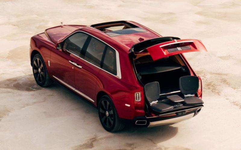 """Rolls Royce presentó a """"Cullinan"""", el primer SUV de la marca inglesa"""