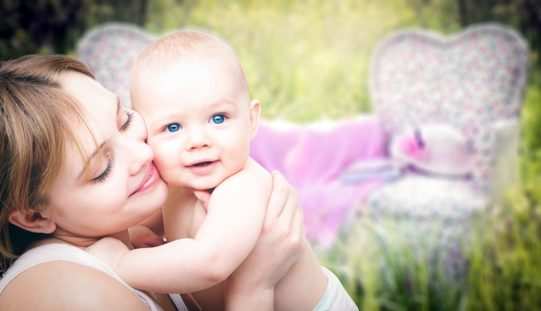 ¿Cuál es el papel de la madre en el desarrollo del lenguaje de los hijos?