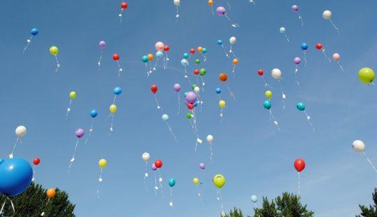Los globos también están en la mira de ecologistas e instituciones
