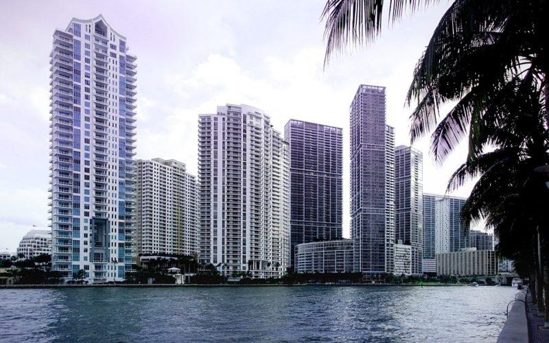 ¿Por qué cada vez es más difícil conseguir vivienda en Miami?