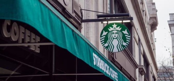Starbucks sigue innovando: inauguran en Washington su primer local para la comunidad sorda