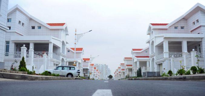 Precios de viviendas en EE.UU. aumentan lentamente en medio de ventas débiles