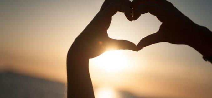 El amor en nuestros tiempos: ¿por qué crecen los enamorados a distancia?