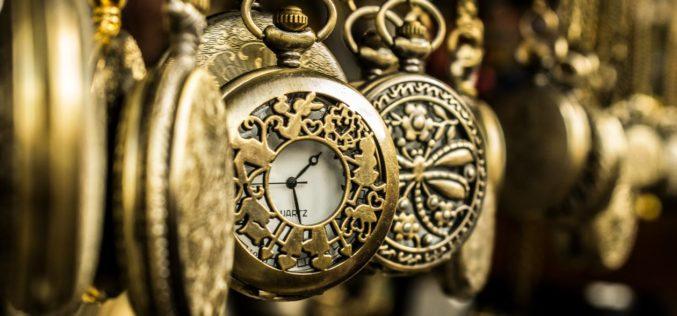 Aunque el tiempo se detenga, sigo: un poema de Eduardo Escalante