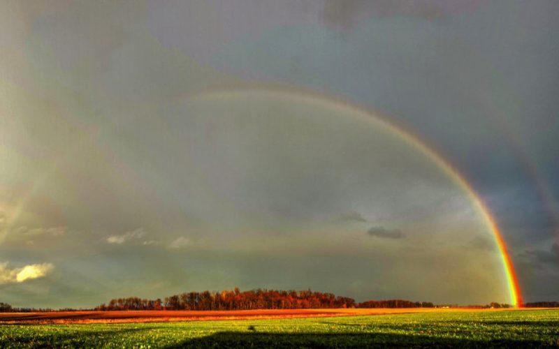 ¿Cómo se formó el triple arco iris que adornó el cielo de Maine?