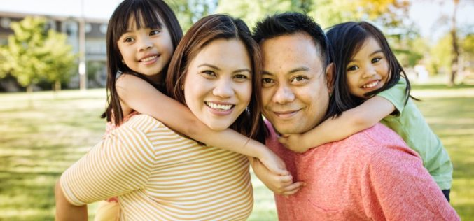 ¿Qué necesitas para convertirte en un residente legal o ciudadano estadounidense?