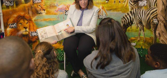 Ford lanza primer libro de alfabetización para impulsar las necesidades educativas