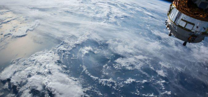 NASA prepara la primera caminata espacial para mujeres