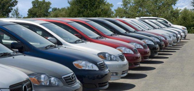 ¿Por qué están subiendo los precios de los carros usados?