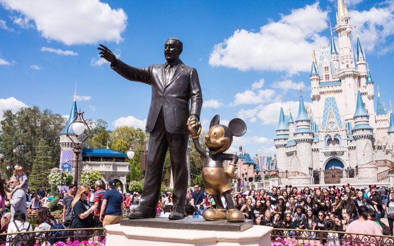 ¿Cuáles son las 10 cosas que no puedes hacer en los parques de Disney?
