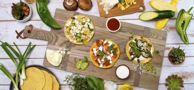 Dos recetas de tostadas mexicanas del chef Aarón Sánchez