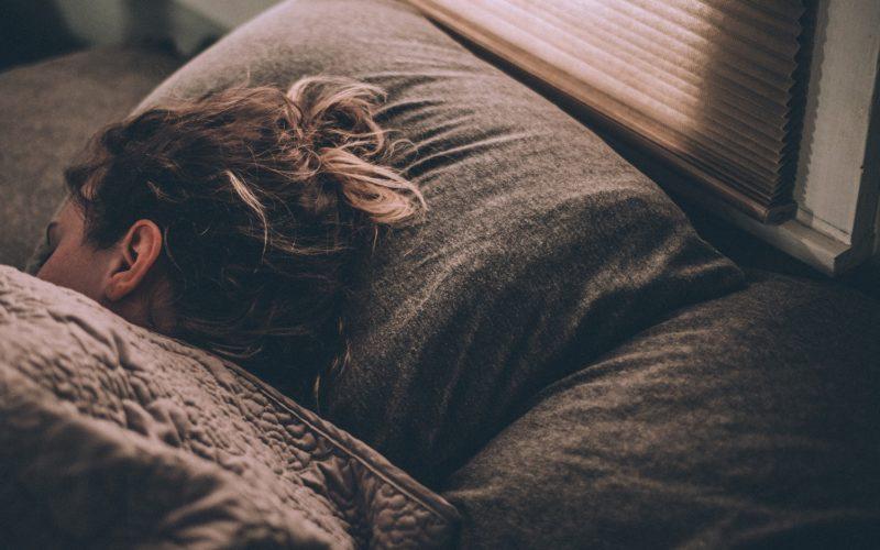 ¿Cuáles son las mejores posiciones para dormir?