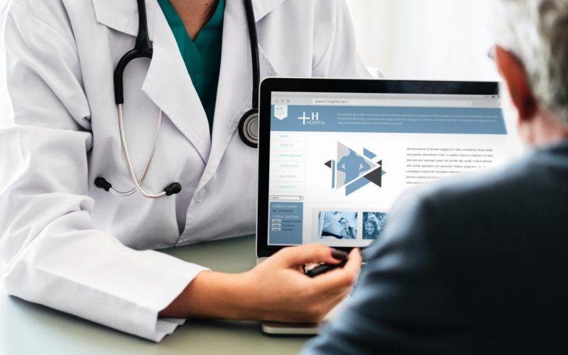 ¿Cuáles son los exámenes médicos claves que debe hacerse después de los 50?