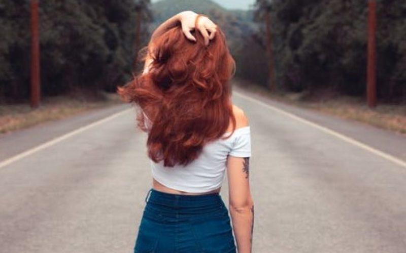 Color borgoña para el cabello: Ideas para verte fresca y moderna