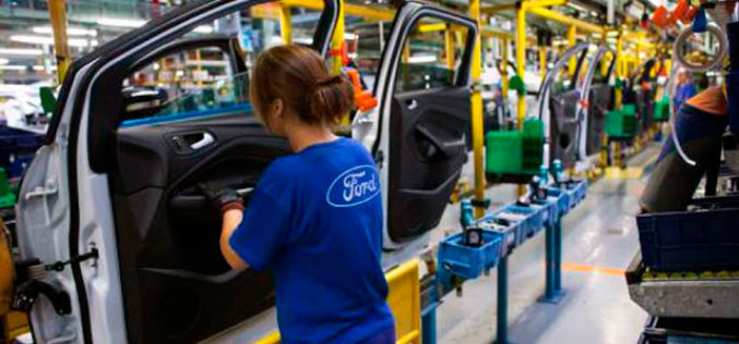 Ford hará una mayor reestructuración eliminando miles de empleos
