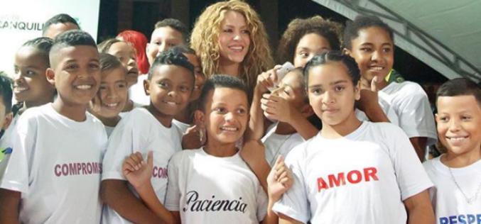 Latinos agenciando el cambio: Pies descalzos y transformadores