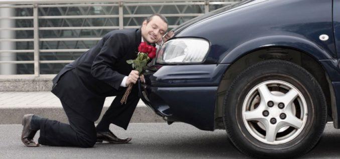 ¿Qué es más importante, el matrimonio o un auto nuevo?