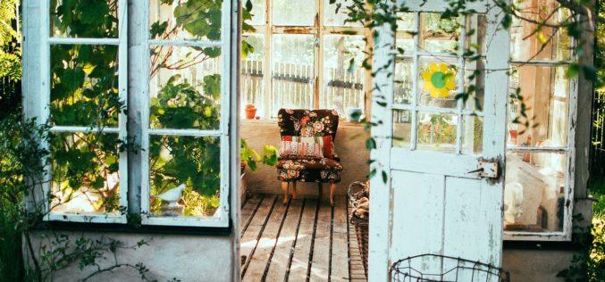 Habita en mi casa, un poema de Eduardo Escalante