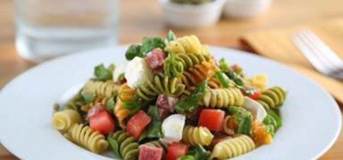Ensalada de pasta de verano Tri-Color Rotini