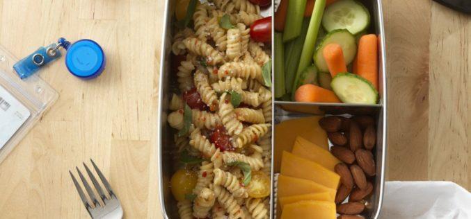 Ensalada de pasta estilo italiano para la lonchera