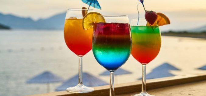 Deliciosos cocteles para despedir el verano