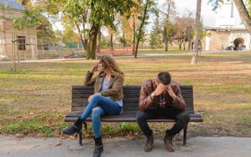 Tu pareja se está alejando: ¿cuál es la verdadera razón?