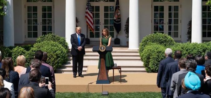 Melania Trump restaura salones de la Casa Blanca