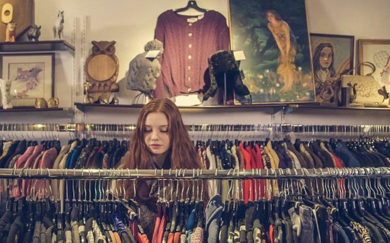 ¿Por qué tiendas populares de EE.UU. venden ahora ropa usada?