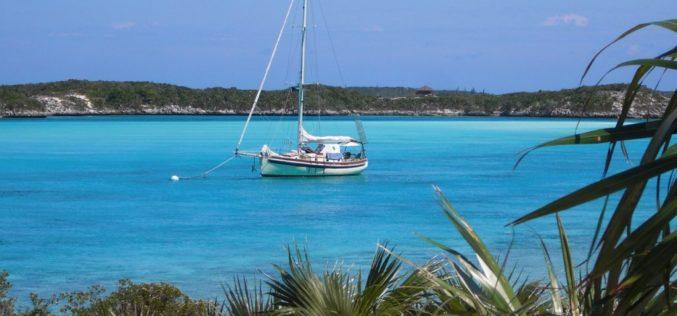 Bahamas sigue abierta al turismo