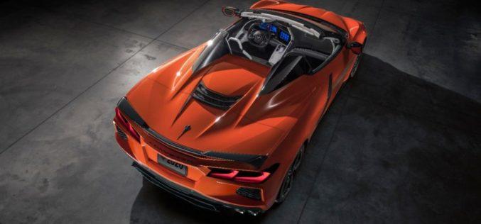 Chevrolet presentó el primer Corvette Convertible con techo rígido