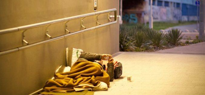 ¿Cómo podemos ayudar a las personas sin hogar en los Estados Unidos?